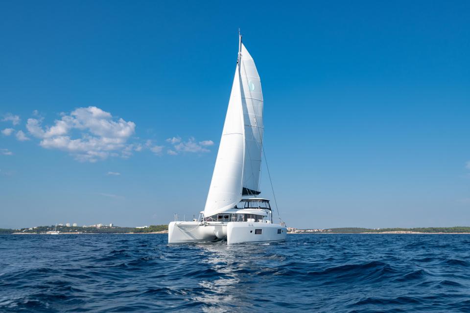 charter slika flotila.jpg